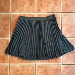 Kensie Grey Pleated Mini Skirt Gray sz 10
